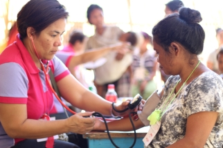 Volunteers during the medical mission, part of the activities of Mangyan Day. (Photo Mark Ambay III)