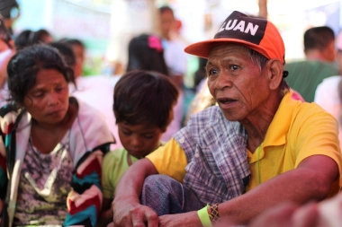 A Mangyan kuyay talks about the situation of the Iraya tribe. (Photo Mark Ambay III)
