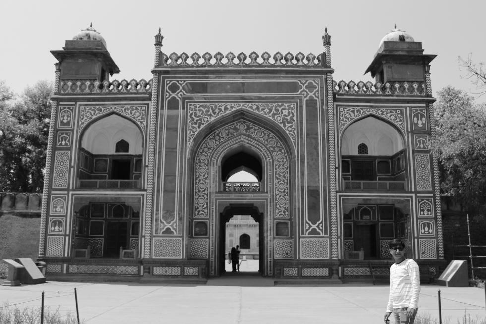 Agra2
