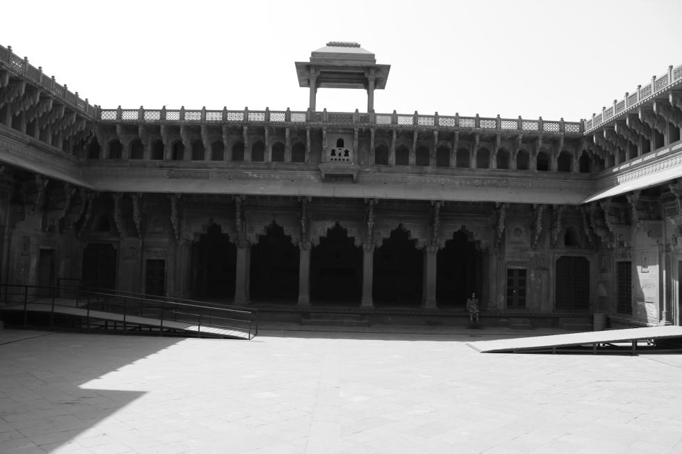 Agra28